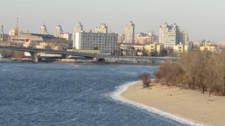 Diyneper Nehri